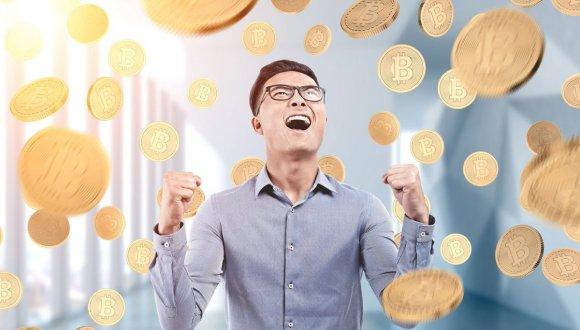 Maaşını Bitcoin İle Ödemeye Başladı