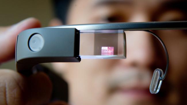 Google Glass'ın Yeni Görünümü Belli Oldu!