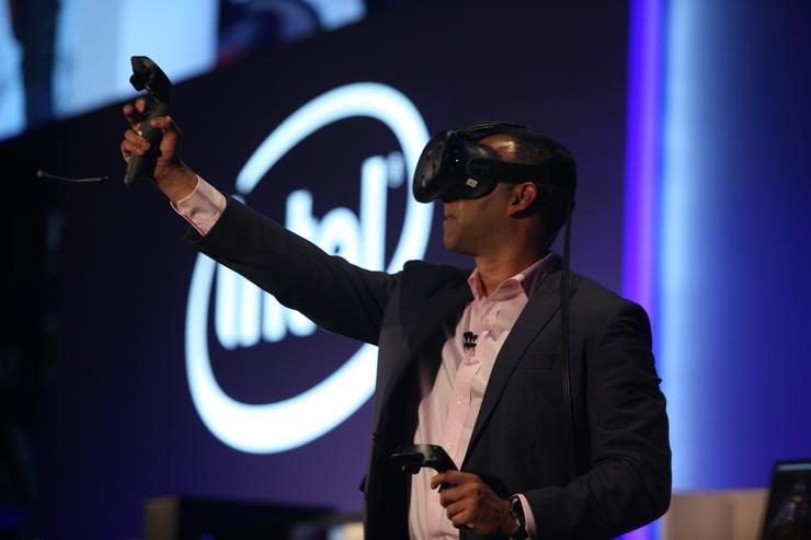 Intel Giyilebilir Teknoloji Pazarında Kalmaya Niyetli