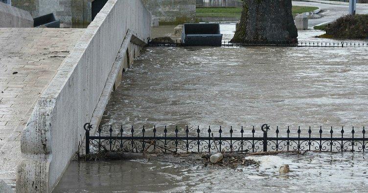 Kırkpınar Yağlı Güreşleri'nin yapıldığı er meydanı sular altında kaldı