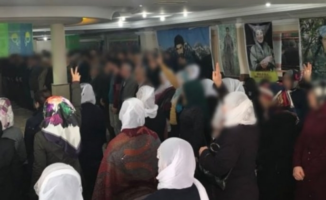YPG skandalı! Ölülerine ağladılar