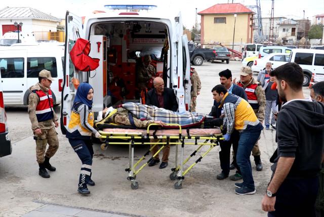 Kazada 5'i Asker 7 Kişi Yaralandı!