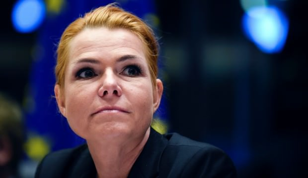 Danimarkalı bakandan Skandal