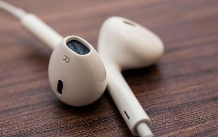 Apple AirPods kulaklığı sorunu bir türlü çözülemiyor