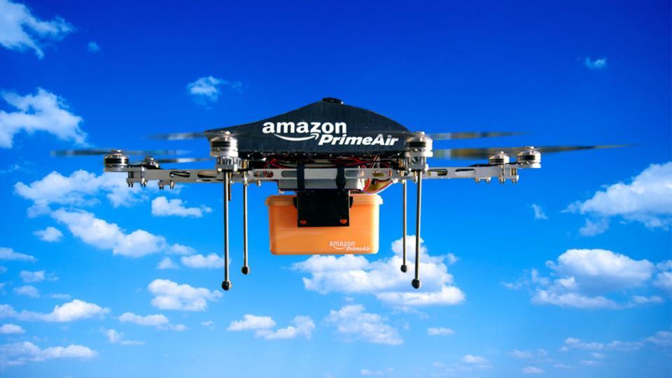 Amazon Drone Kullanarak İlk Teslimatını Gerçekleştirdi