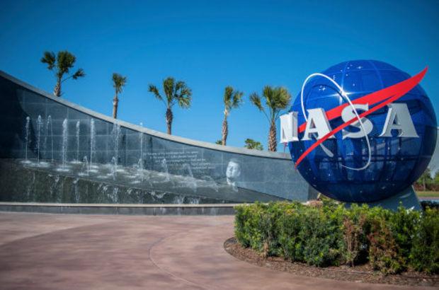 NASA, Mars Yüzeyinde Meteor Keşfetti!