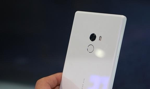 Xiaomi Mi Mix Pearl White Edition Tanıtıldı!