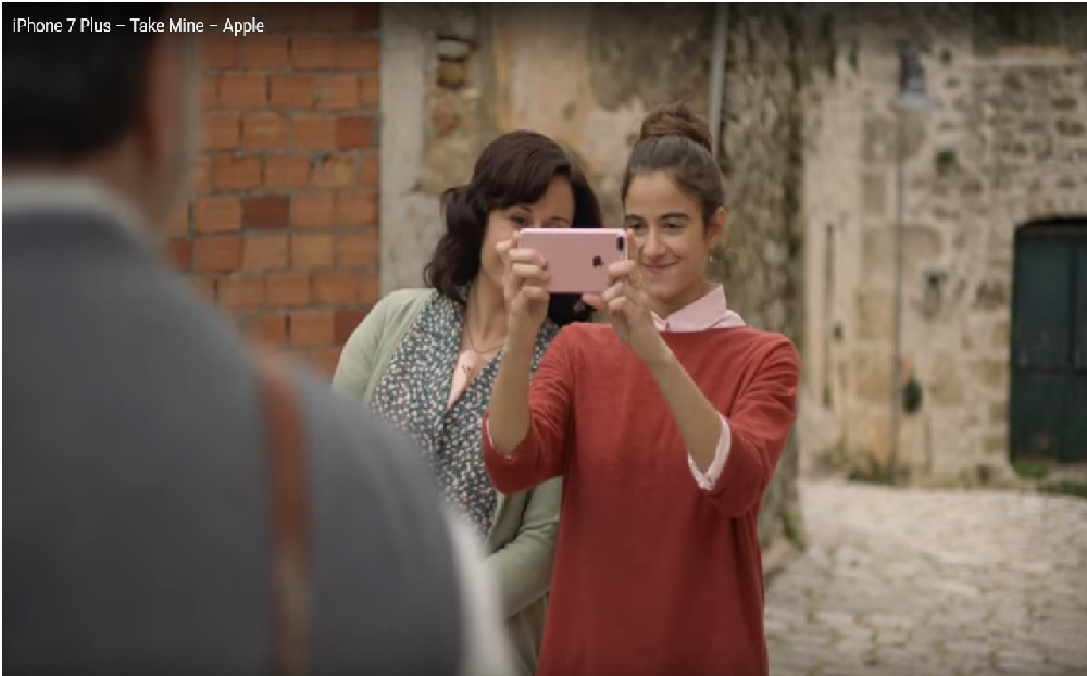 "Apple'ın ""Taka Mine"" iPhone 7 Plus Reklam Filmi Yayınlandı!"
