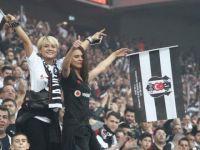 Beşiktaş Taraftarlarının Flörtleşmeyi Sevdiği Açıklandı